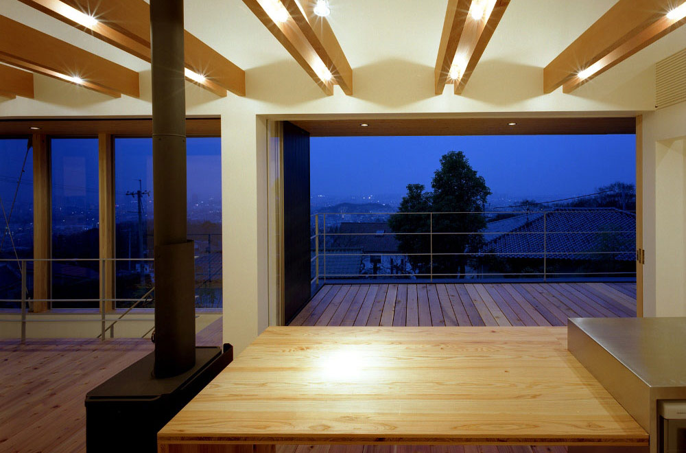 FLYING HOUSE: Living room & Dining kitchen