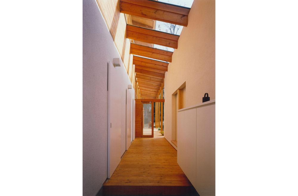 HOUSE IN IZU: Entrance