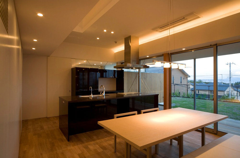 HOUSE OF THE LIGHT: Living room & Dining kitchen