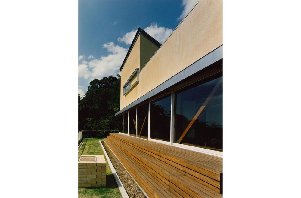 Y-HOUSE: Deck terrace