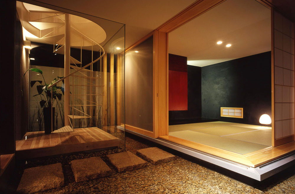 HOUSE IN MIYANISHICHO: Japanese-style room