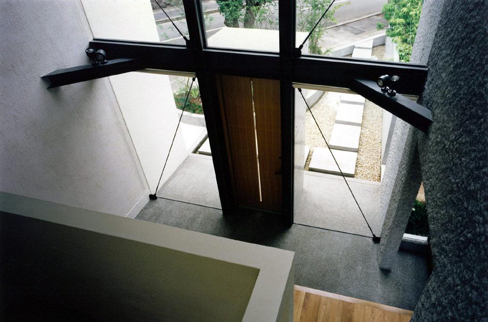 Y-HOUSE: Entrance
