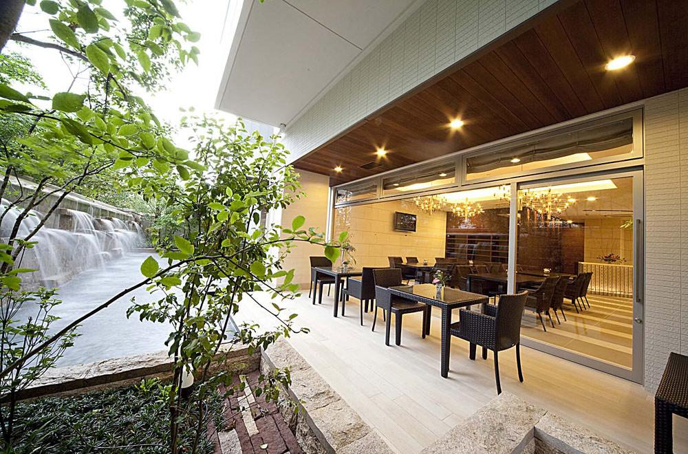 VILLA TSURUBAMI: Deck terrace