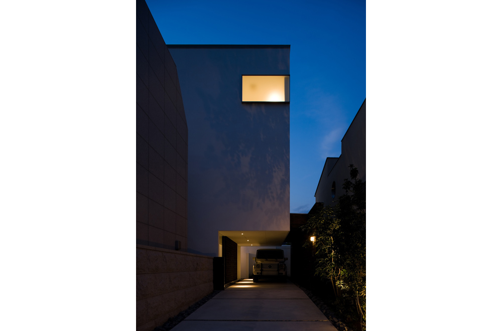 WATER GALLERY: Facade (in the night)