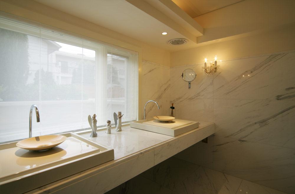 SYMMETRY: Wash room